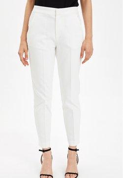 DeFacto - Chinot - white