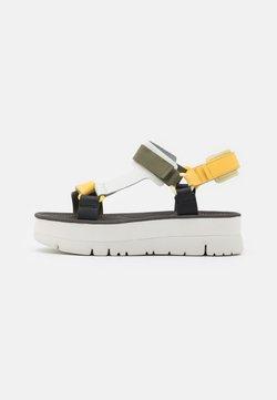 Camper - ORUGA UP - Korkeakorkoiset sandaalit - yellow