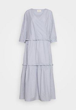 esmé studios - ELLY WRAP AROUND DRESS - Maxikleid - tradewinds/white