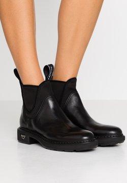Emporio Armani - FRIDA - Stiefelette - black
