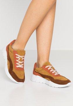 Jana - Sneakers laag - safron