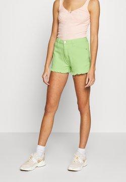 Glamorous - FRAYED HIGH WAIST - Jeansshort - lime green