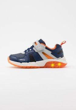 Geox - SPAZIALE BOY - Sneaker low - navy/orange