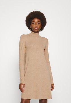 Vero Moda Tall - VMHAPPINESS ROLLNECK DRESS - Neulemekko - tobacco brown