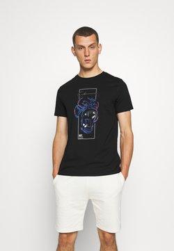 CLOSURE London - SCRIPT TEE - T-shirt z nadrukiem - black