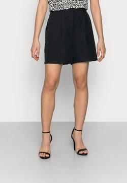 YAS Petite - YASPERFA - Shorts - black