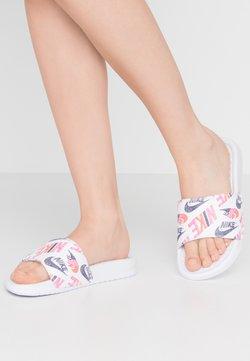 Nike Sportswear - BENASSI JDI PRINT - Pantolette flach - white/black/lotus pink/team orange