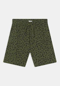 ARKET - SHORTS - Shorts - green