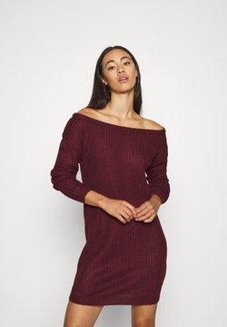 Missguided - AYVAN OFF SHOULDER JUMPER DRESS - Strickkleid - burgundy