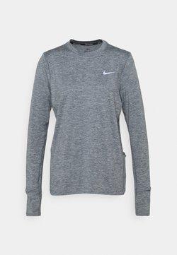 Nike Performance - W NK ELEMENT  - Funktionsshirt - smoke grey/lightt smoke grey/heathre/silver
