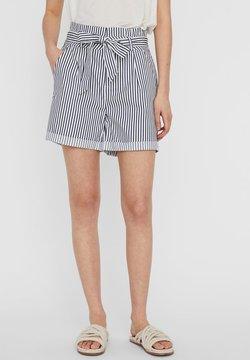 Vero Moda - PAPERBAG - Shorts - snow white