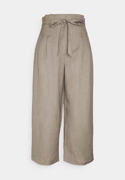 Forever New - VALERIE PAPERBAG WAIST - Trousers - khaki
