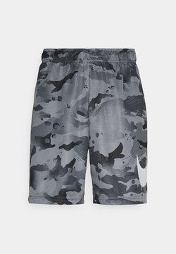 Nike Performance - DRY SHORT CAMO - Pantalón corto de deporte - black/grey fog