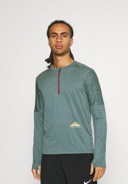 Nike Performance - TRAIL - Funktionströja - dark teal green
