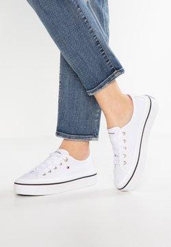 Tommy Hilfiger - CORPORATE FLATFORM SNEAKER - Sneakersy niskie - white