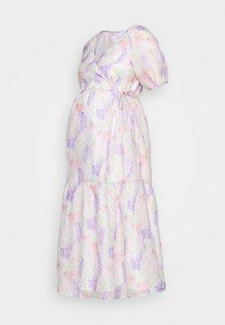 Glamorous Bloom - FLORAL WRAP DRESS - Vardagsklänning - lilac