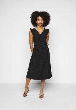 Object Petite - OBJINDRA SABRINA DRESS - Kjole - black