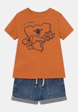 OVS - SET - Camiseta estampada - mock orange