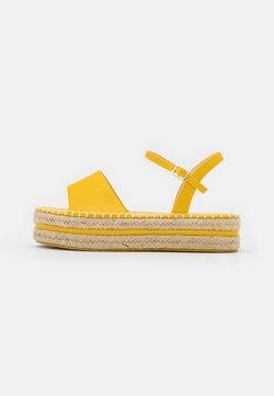BEBO - MONROE - Korkeakorkoiset sandaalit - yellow