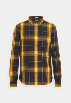 Wrangler - BUTTON DOWN SHIRT - Hemd - spruce yellow