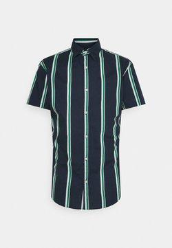 Jack & Jones - JJCHRIS STRIPE SHIRT - Hemd - verdant green