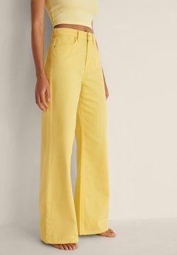 NA-KD - Jean flare - yellow