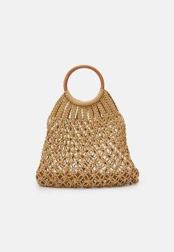 Pieces - PCLUNIA CROCHET BAG - Shoppingväska - almond buff