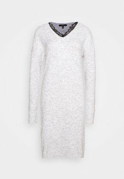 Vero Moda Tall - VMIVA V NECK DRESS TALL - Vestido de punto - light grey melange