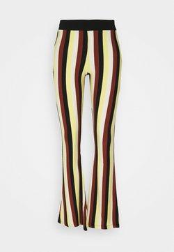 Stieglitz - BINDI FLARED - Pantalones - chai