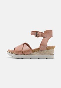 MJUS - Sandalen met plateauzool - perla