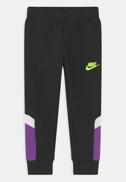 Nike Sportswear - BLOCKED PANT - Verryttelyhousut - black