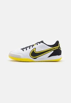 Nike Performance - TIEMPO LEGEND 9 ACADEMY IC - Halówki - white/dark smoke grey/black/yellow strike