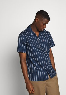 Tommy Jeans - PRINTED STRIPE CAMP SHIRT - Camisa - twilight navy