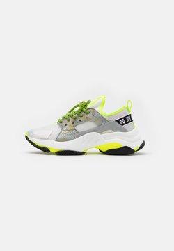 Steve Madden - AJAX - Sneakers laag - white/grey