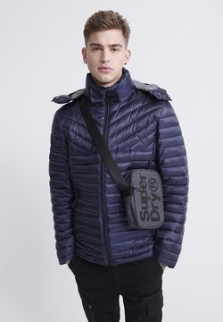 Superdry - SUPERDRY DESERT ALCHEMY FUJI JACKET - Winterjacke - atlantic navy