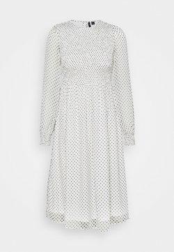 Vero Moda Petite - VMSIFFY SMOCK CALF DRESS  - Freizeitkleid - snow white/black