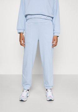 Pieces - PCCOOLIO PANTS - Jogginghose - kentucky blue
