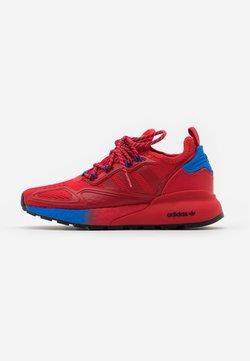 adidas Originals - ZX 2K BOOST UNISEX - Sneaker low - scarlet/blue
