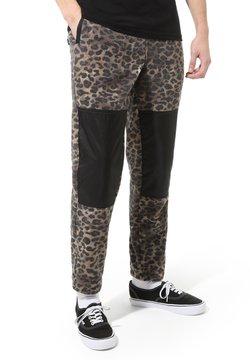 Vans - MN POLAR FLEECE PANT - Jogginghose - leopard print