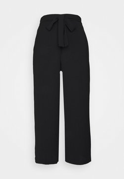 Pieces - PCKELLIE CULOTTE ANKLE PANT - Kangashousut - black