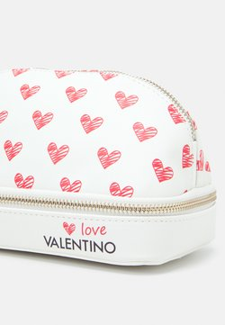 Valentino by Mario Valentino - SOFT COSMETIC CASE - Kosmetiktasche - bianco/rosso