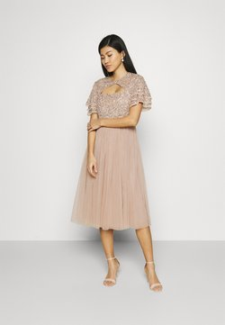Maya Deluxe - FLUTTER SLEEVE CUT OUT DELICATE SEQUIN MIDI - Cocktailkleid/festliches Kleid - taupe blush