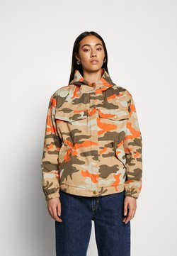 Urban Classics - LADIES OVERSIZED CAMO JACKET - Summer jacket - brick camo