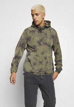 Tigha - ARIAN TIE DYE - Summer jacket - military green