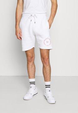 Common Kollectiv - PREVAIL SHORT UNISEX - Shorts - white