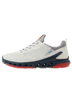 ECCO - M. BIOM COOL PRO - Golf shoes - white/scarlet