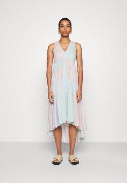 Who What Wear - TIERED SLEEVELESS DRESS - Maxiklänning - faded rainbow