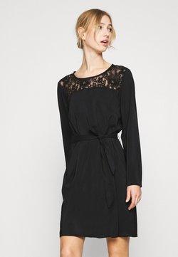 Vila - VISISA TIE BELT DRESS - Freizeitkleid - black