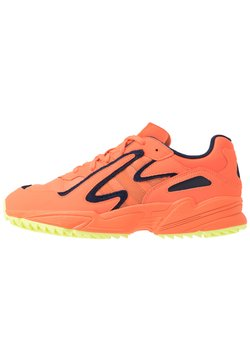 adidas Originals - YUNG 96 CHASM TRAIL - Sneaker low - hi-res coralle/semi coralle/hi-res yellow