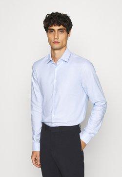 Calvin Klein Tailored - STRUCTURE EASY CARE SLIM - Zakelijk overhemd - blue